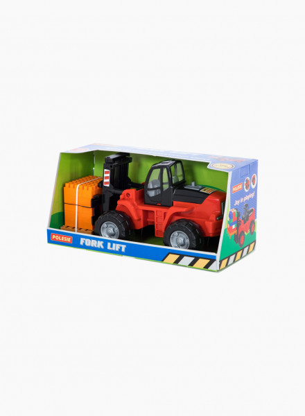 Truck and constructor